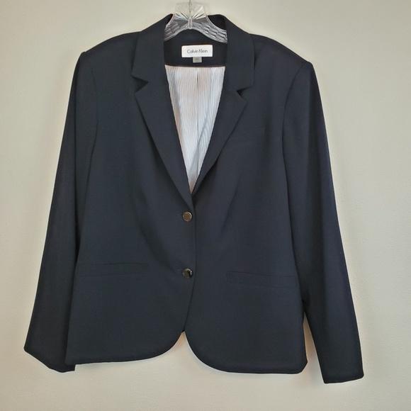 Calvin Klein Jackets & Blazers - Calvin Klein navy double button blazer (687)